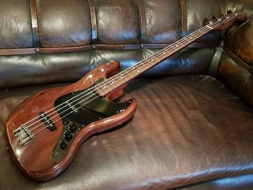 Fender Jazzbas Walnut MIJ.