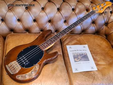 Music Man Stingray bas - Aerosmith