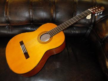 Yamaha CG142s Proff. klassisk guitar