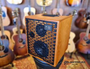 Acus one-for-street-5 guitar forstærker