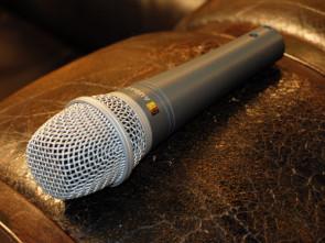 Audac sang mikrofon