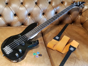 LTD begynder el-bas guitar m/ No. 1 rem og plektre.