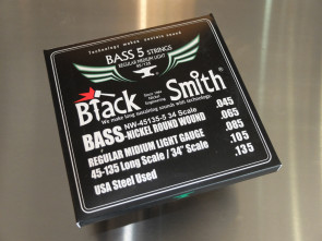 Bas strenge **Black Smith** 045 5-strenge