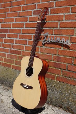 Western Guitar EASTMAN AC-OM1