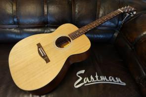 Western Guitar EASTMAN AC OM1 med gigbag.