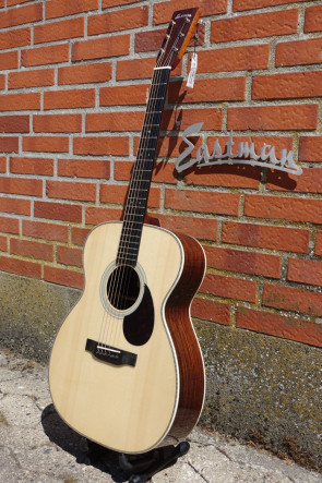 Western Guitar EASTMAN E20OM