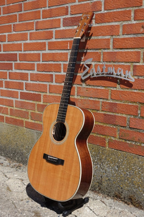 Western Guitar EASTMAN E8OM
