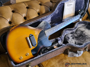 Eastman Solid body SB55/v guitar.