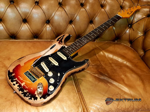 Reliced el-guitar ala Stevie Ray Vaughan