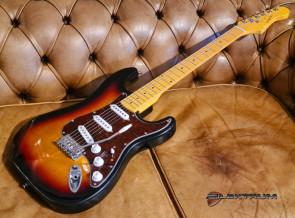 Elektrisk guitar ST-style med 3 pick-ups