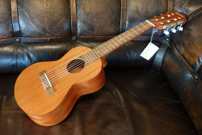Everdeen Guitalele guitar