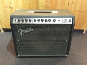 Fender RocPro 700 guitar forstærker