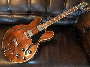 **SOLGT** Gibson 1972 Vintage ES-335 guitar