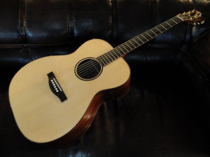 Green River Dk håndbygget western guitar