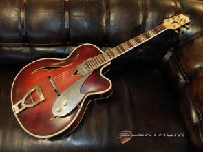 **SOLGT** Höfner vintage guitar