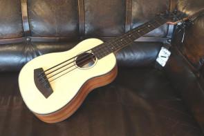 Kala U-bass Bas ukulele