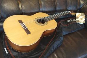 La Mancha guitar: Rubi CM med gigbag