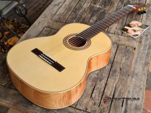 La Mancha Rubi SPX spansk guitar