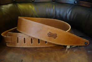 Levy's GuitarRem i cognac læder