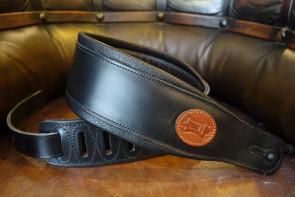 Levy's GuitarRem i kraftig sort læder