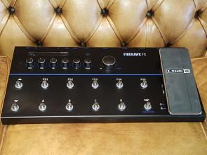 LINE 6 Firehawk FX pedalboard