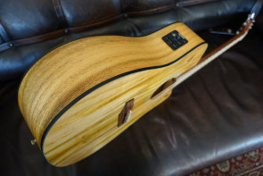 Randon RGI-14 VT-CE Western Guitar