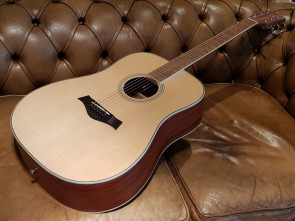 RENO RW400NAT Western Guitar med solid top