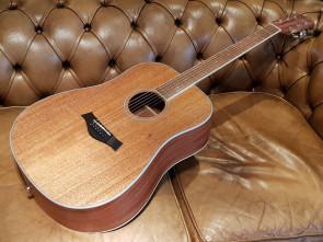 Reno RW410N western guitar - Solid Mahogany Top
