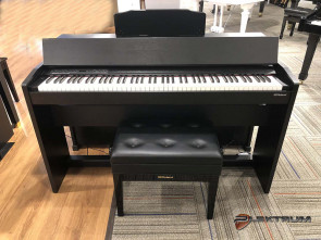 Roland f-140R el-piano i sort