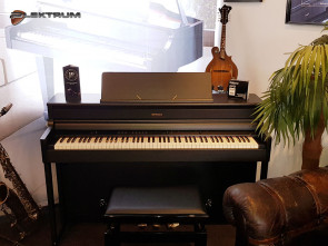Roland HP-704 el-piano
