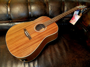 Seagull western guitar - Mahogany Deluxe