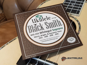 Black Smith Ukulele Sopran strenge - Hvide