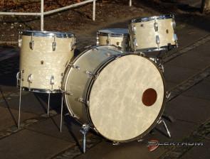 **SOLGT** Vintage 1949' WFL trommesæt i White Marine Pearl