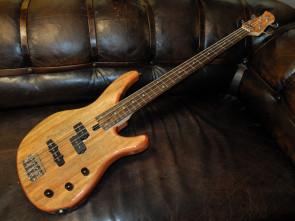 Yamaha TRBX-174GW bas guitar