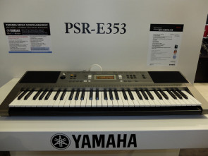 Yamaha Keyboard PSR-E353