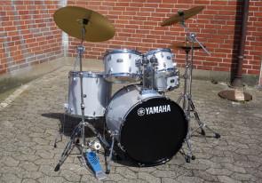 Yamaha Rydeen trommesæt i Silver Glitter + Paiste bækkener
