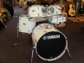 Yamaha Stage Custom trommesæt  u/stativer