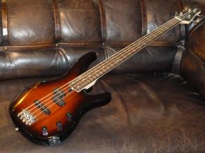 Yamaha TRBX-174 bas guitar
